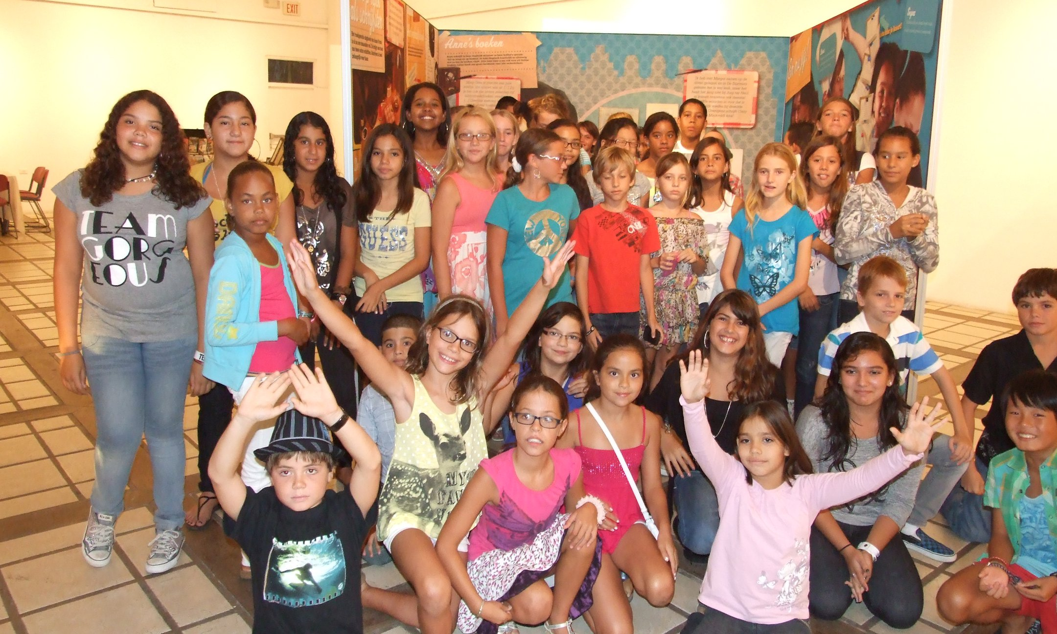 Students of the Mon Cheri school at opening of the exhibition in Cas di Cultura Oranjestad, Aruba (2011)