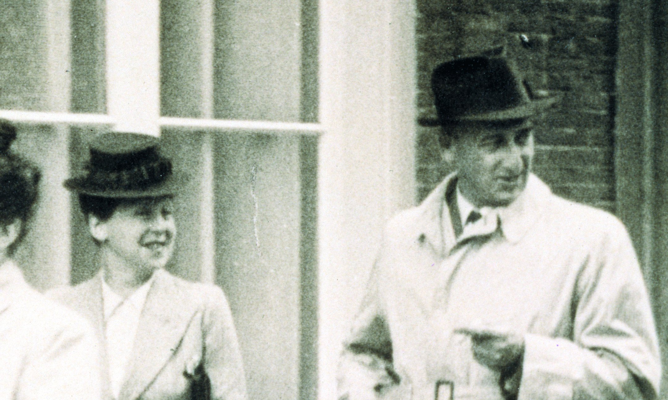 Hermann and Auguste van Pels (left) on their way to the wedding of Miep Santrouschitz and Jan Gies, 16 July 1941.