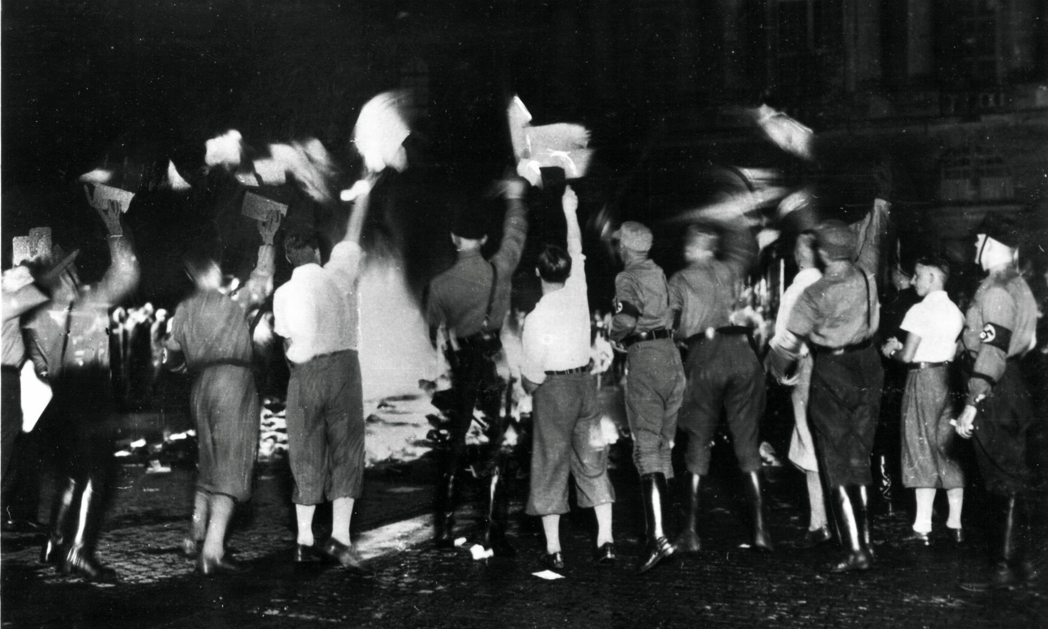 On 10 May 1933, students burn 'un-German' books on Opernplatz in Berlin. In other univerisity cities, students also burn books by writers like Karl Marx, Sigmund Freud and Erich Maria Remarque.