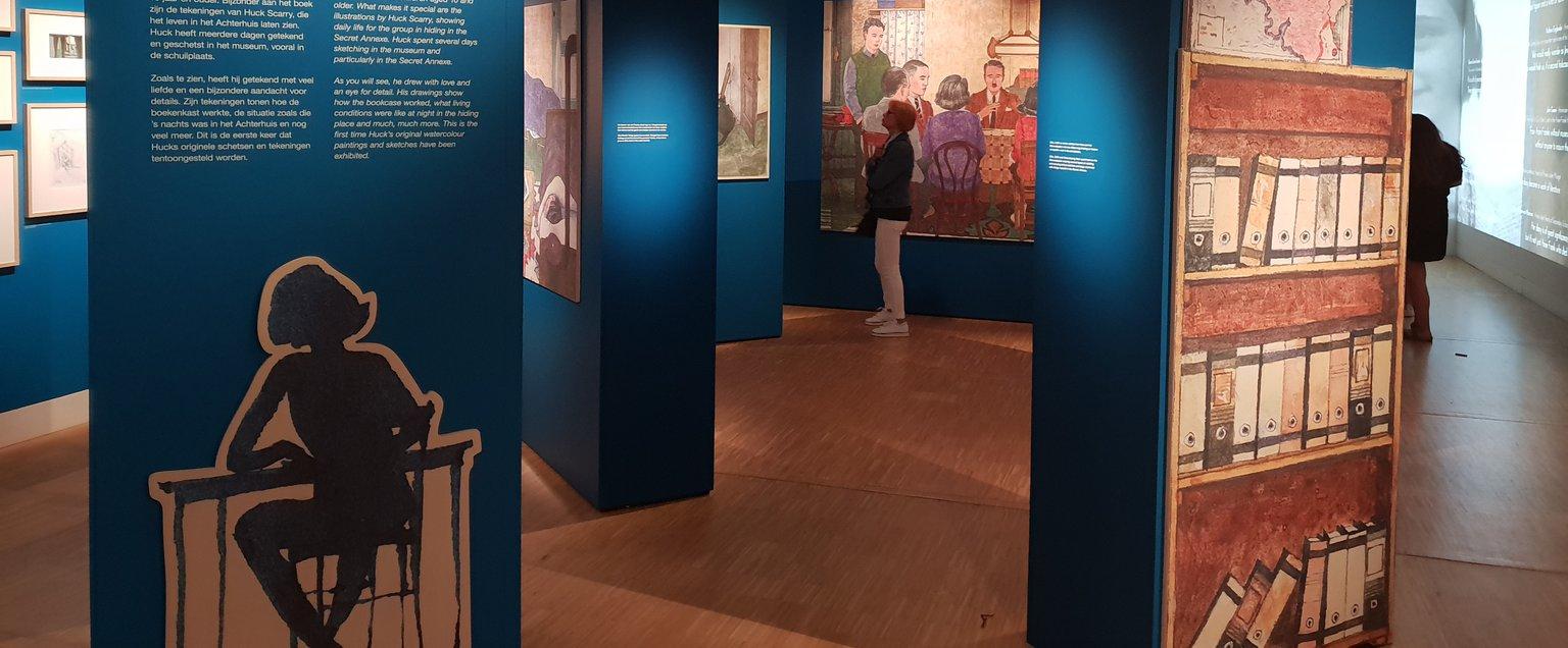 Smal Wit Boekenkastje.New Exhibition Drawings Huck Scarry Anne Frank House