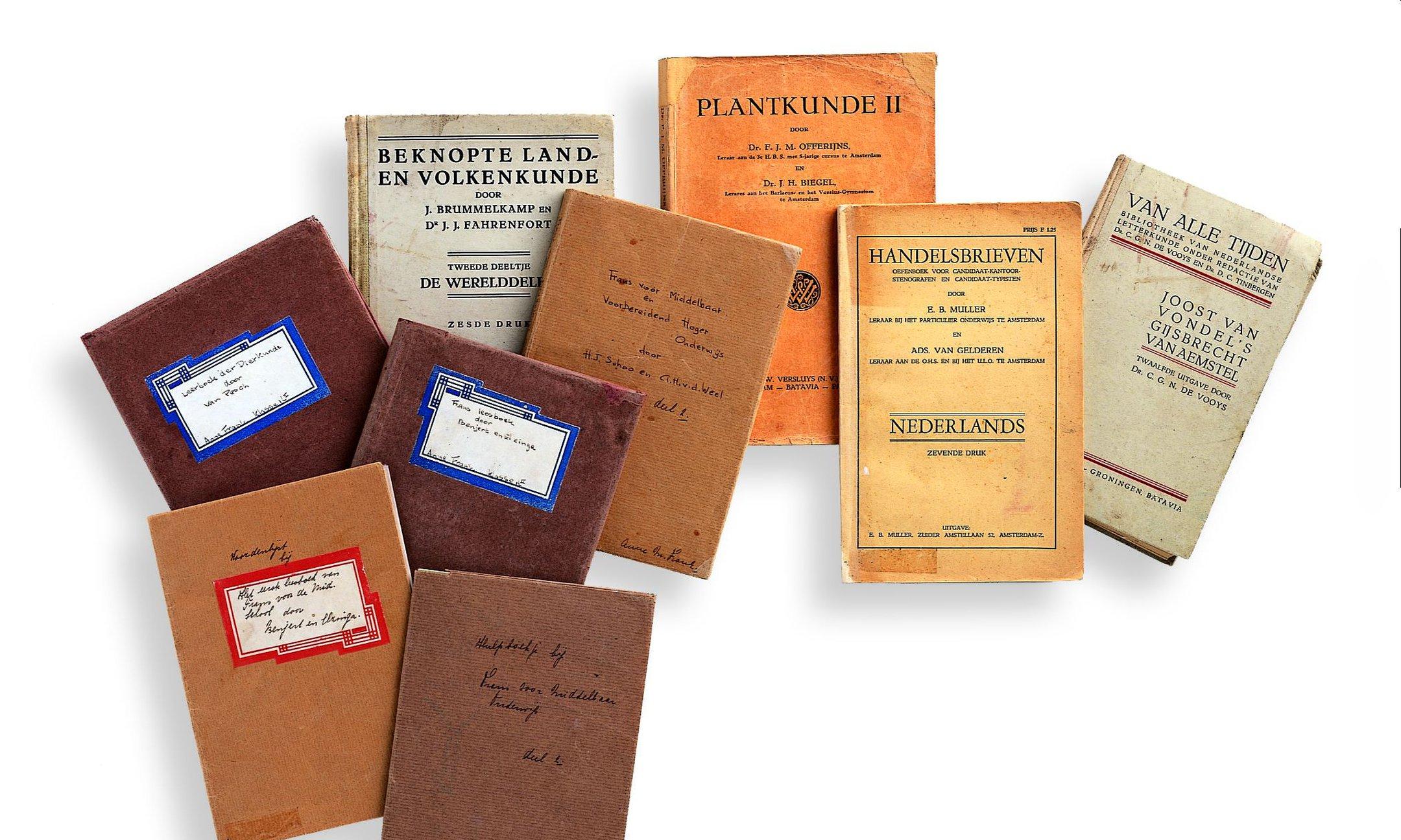 Schoolboeken van Anne en Margot uit het Achtehuis
