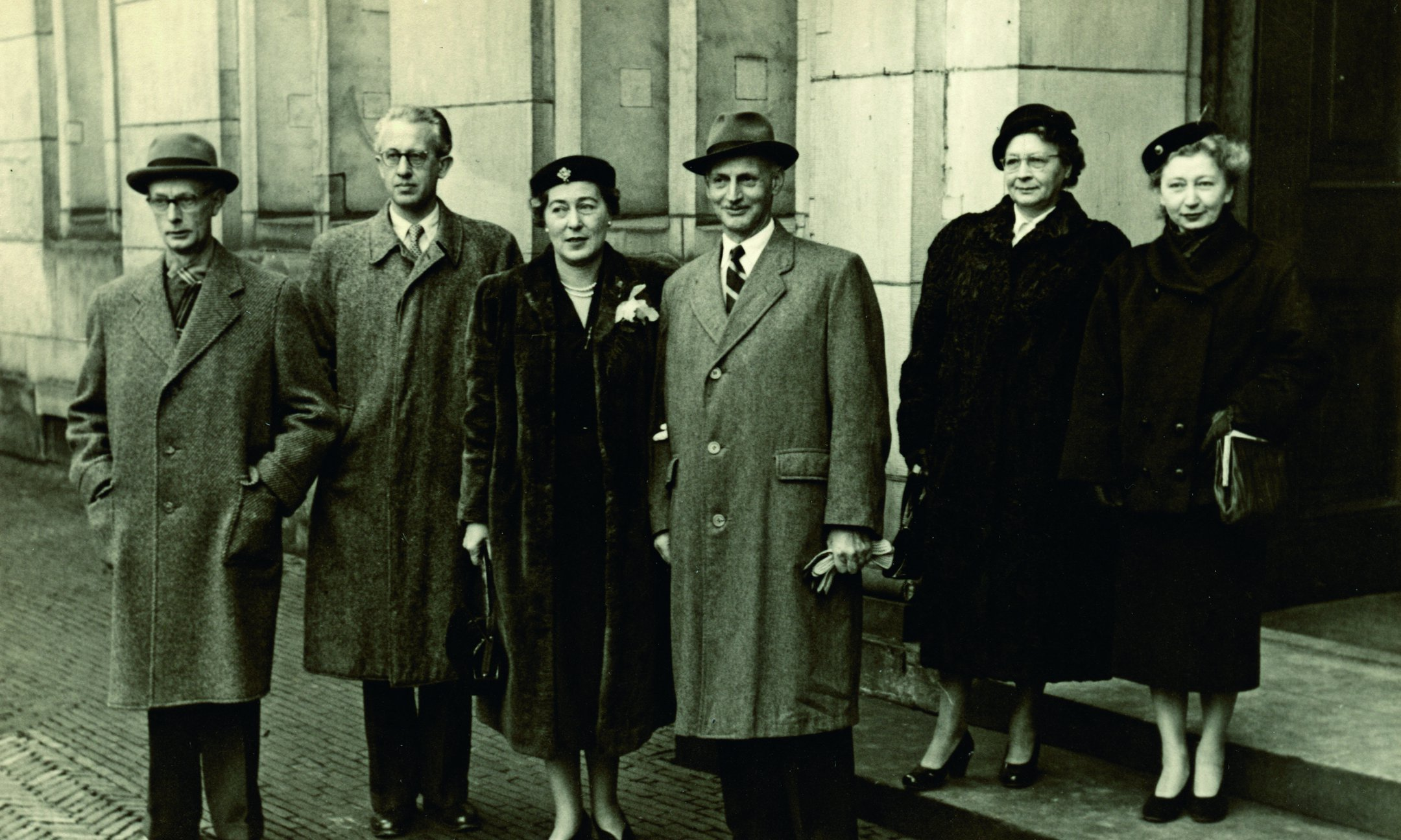 Otto Frank and Fritzi Frank on their wedding day, 10 November 1953. From left to right: Johannes Kleiman, Jan Gies, Fritzi Frank, Otto Frank, Johanna Kleiman, and Miep Gies.
