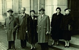 Otto and Fritzi Frank with the guests at their wedding (Amsterdam, 1953)