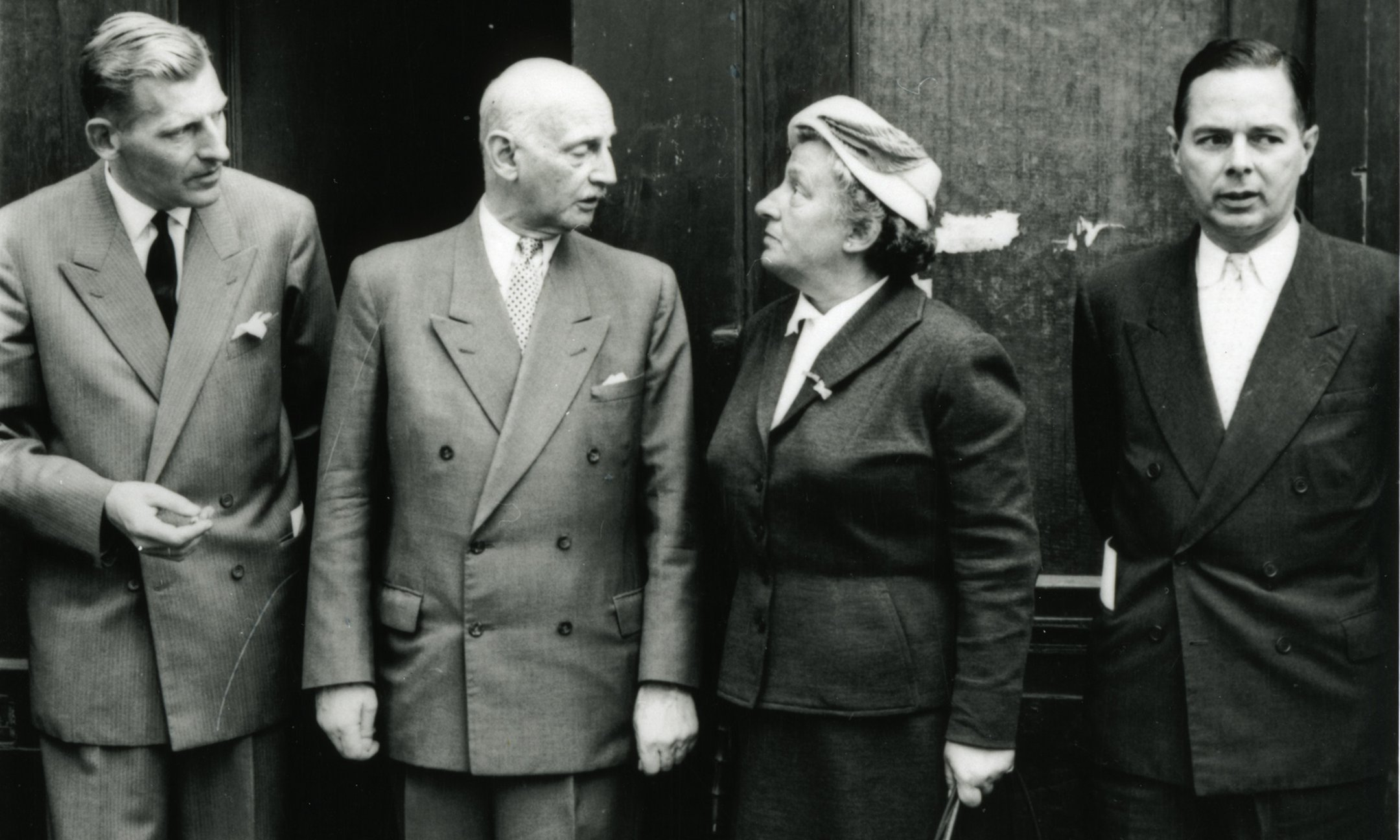 Otto Frank with three members of the first board of the Anne Frank Stichting in 1957. From left to right: Floris Bakels, Otto Frank, Truus Wijsmuller, and Herman Heldring